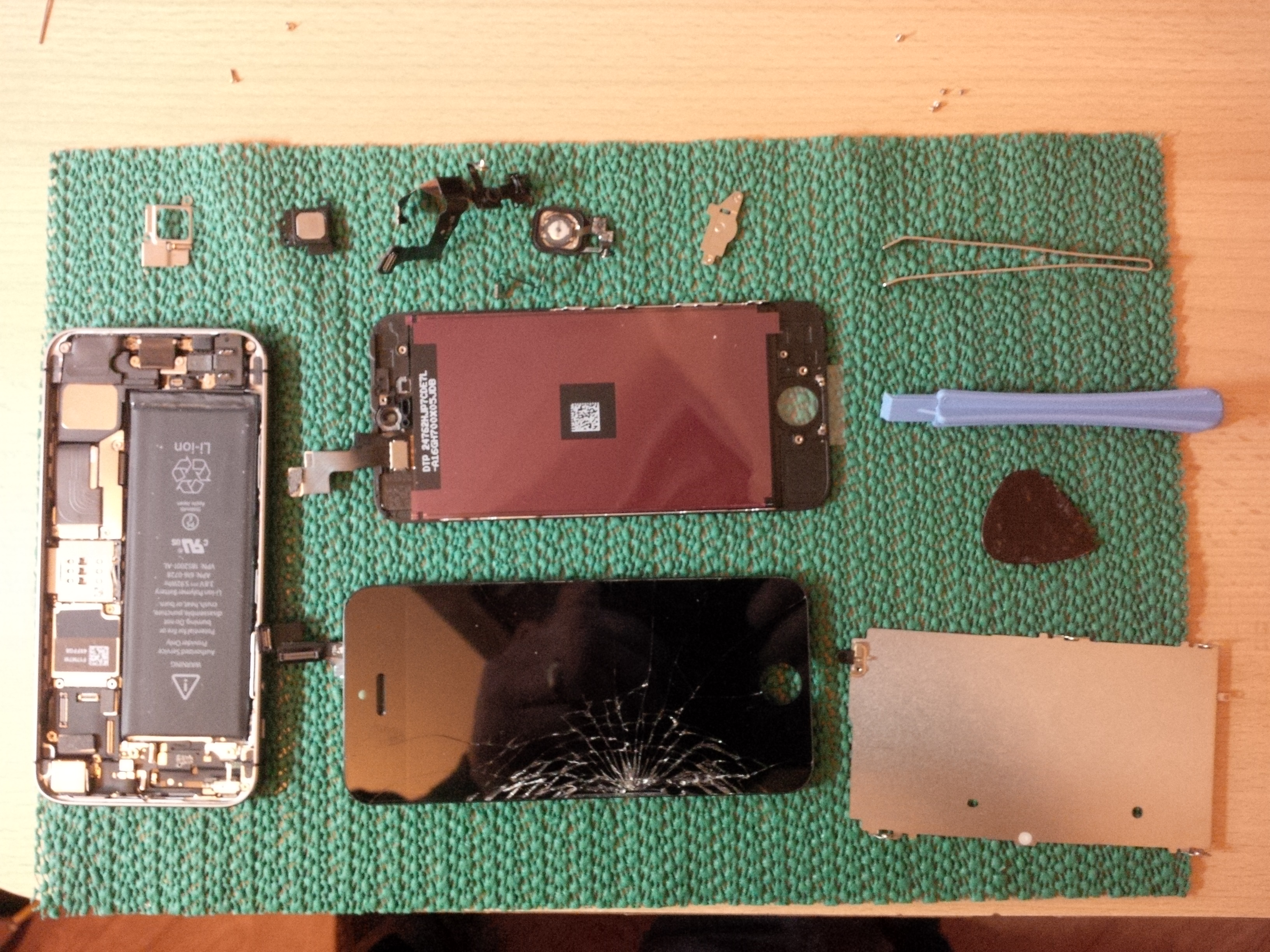 iPhone5 Stripped For Repair