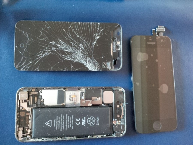iPhone5 Screen Removed for Replacment